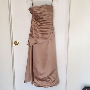 Dresses & Skirts - Champagne colored gown